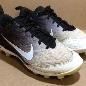 Black & White Nike 'Lunarlon' Softball Cleats